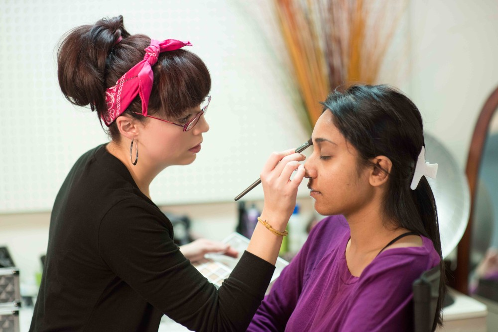 Detroit Makeup Artist Courses