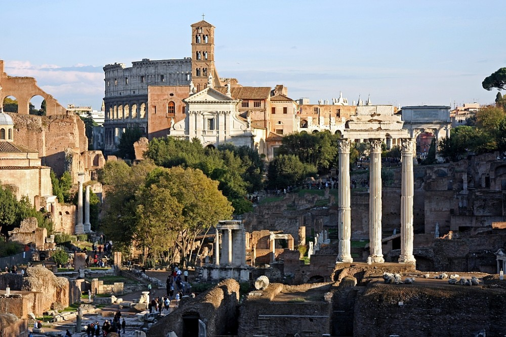 Rome Italy Makeup Courses