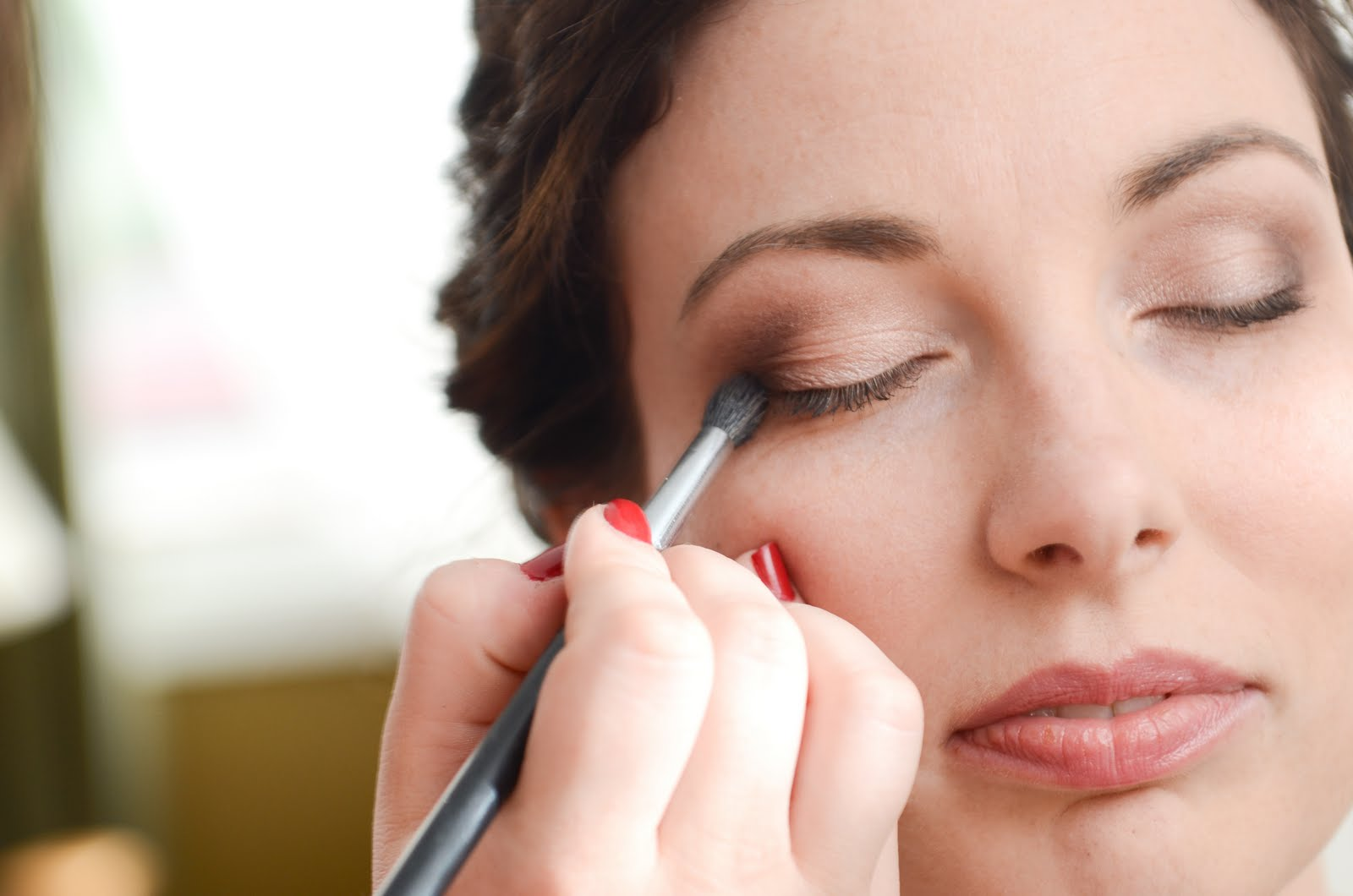 how to become a certified makeup artist online